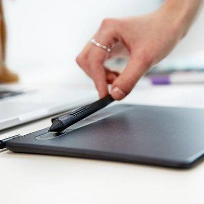 Графический планшет Wacom Intuos S CTL-4100K-N черный - фото 9