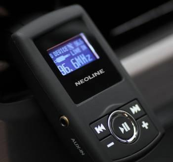 FM-модулятор Neoline Splash FM черный