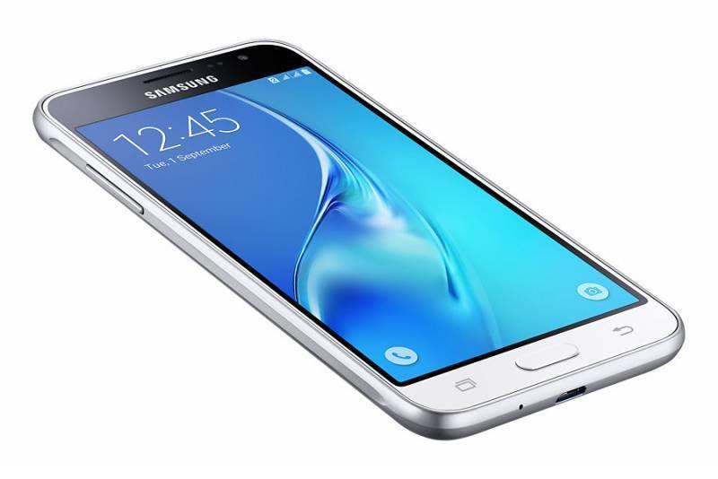 Смартфон Samsung Galaxy J3 (2016) SM-J320F 8ГБ белый - фото 5