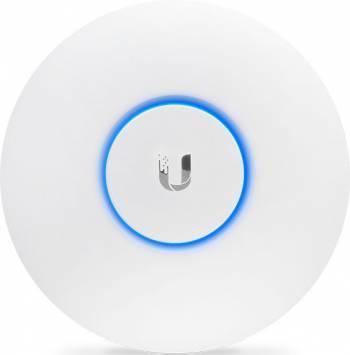 Точка доступа Ubiquiti UAP-AC-LITE-5 белый