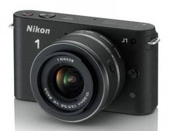 Фотоаппарат Nikon 1 J1 kit черный (VVA151K001)