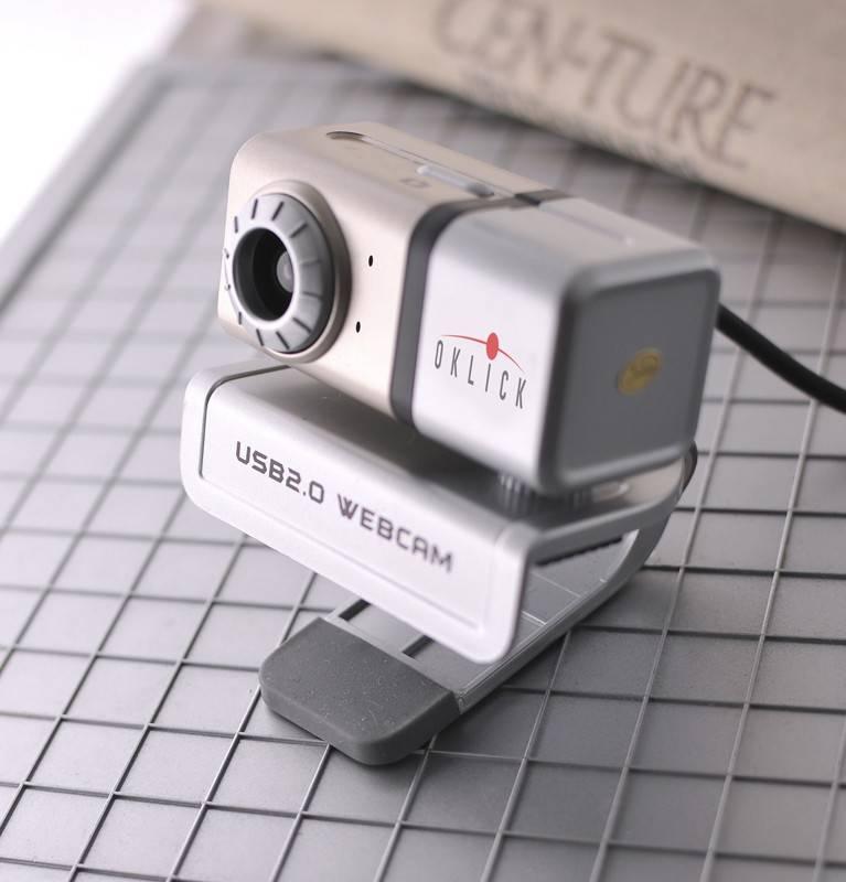 Веб-камера Oklick FHD-100L серебристый - фото 3