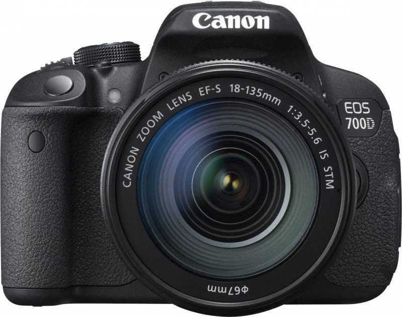Фотоаппарат Canon EOS 700D черный, 1 объектив EF-S 18-135mm f/3.5-5.6 IS STM - фото 1