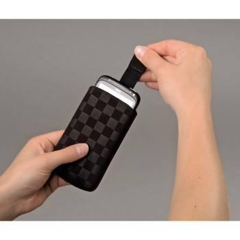 Чехол Hama H-109381 Velvet Pouch Square для мобильного телефона 12.5 х 6 х 1.8 см велюр коричневый - фото 2